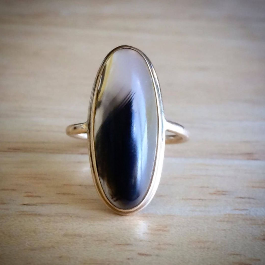 Vintage 10K Yellow Gold and Agate Ring