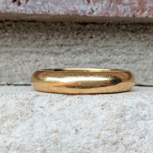 Classic Vintage 22K Yellow Gold Band